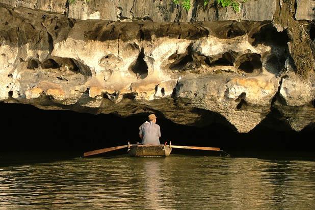 Tam Coc Cave